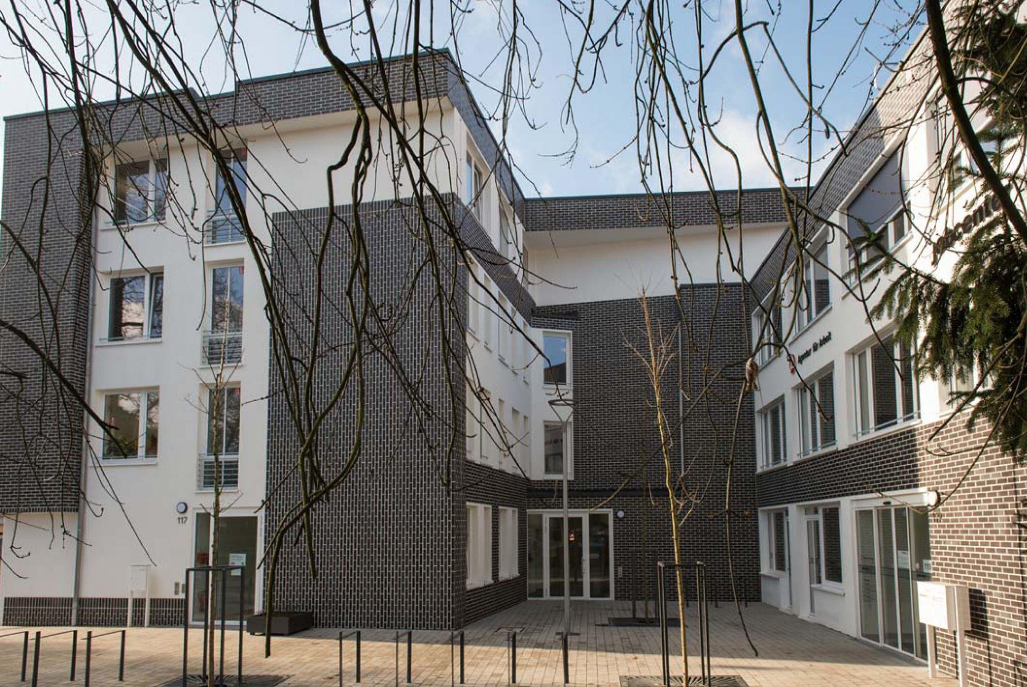 HdA Haus der Arbeitsmarktdienstleistungen Sulzbach Jobcenter Arbeitsamt Jugendamt WOGE Saar Janek Pfeufer Architektur